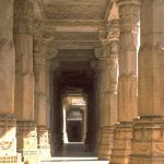 corridor de colonnes
